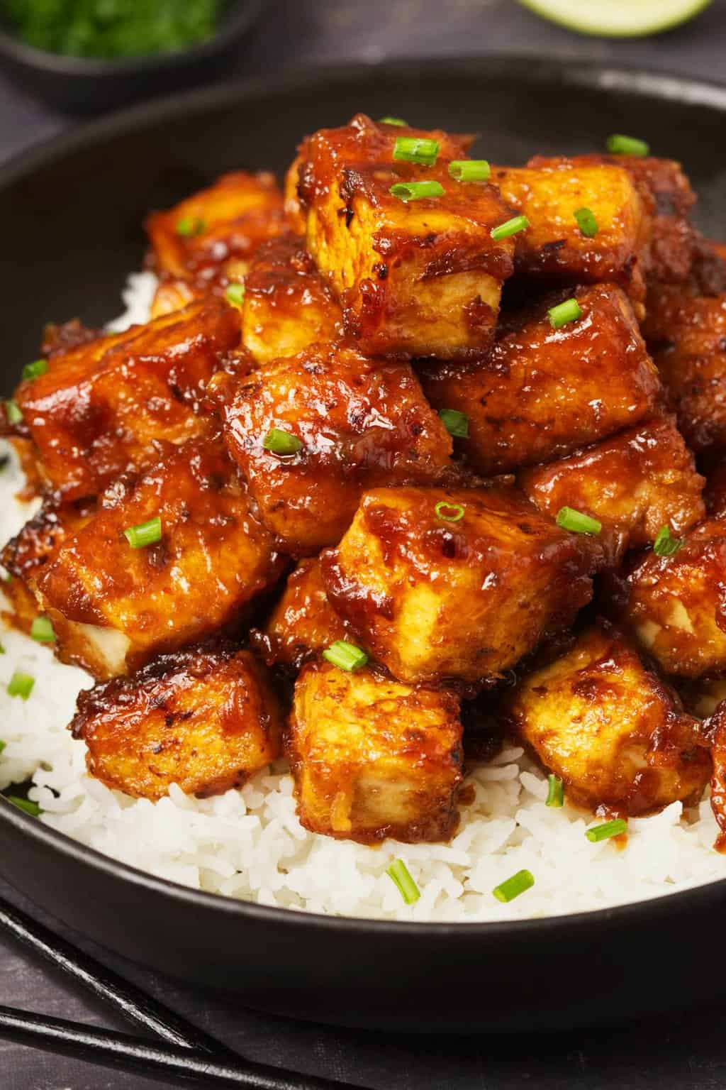 Sojakäse mit leckerer Soße vegan