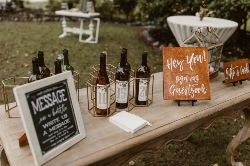 Weinflaschen Jahrestage romantische Idee