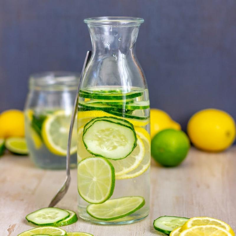 Zitronenwasser mit Gurke lecker gesund