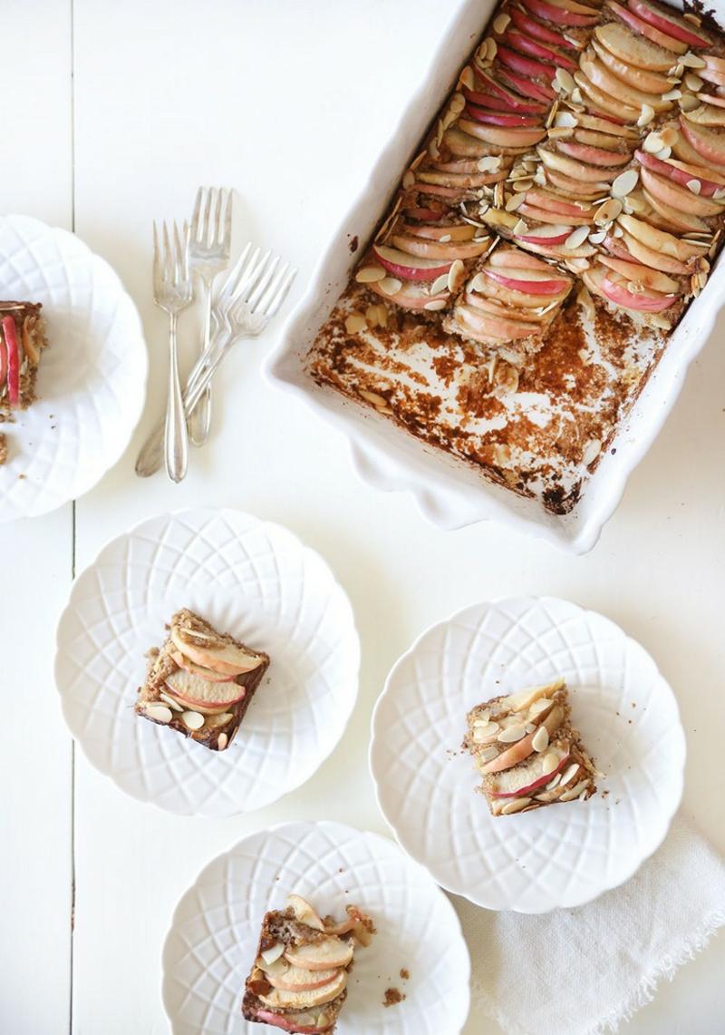 veganer Apfelkuchen vom Blech mit Mandeln