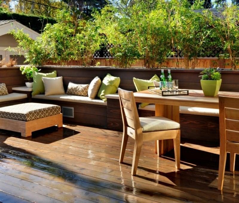 Bambuspflanzen auf dem Balkon