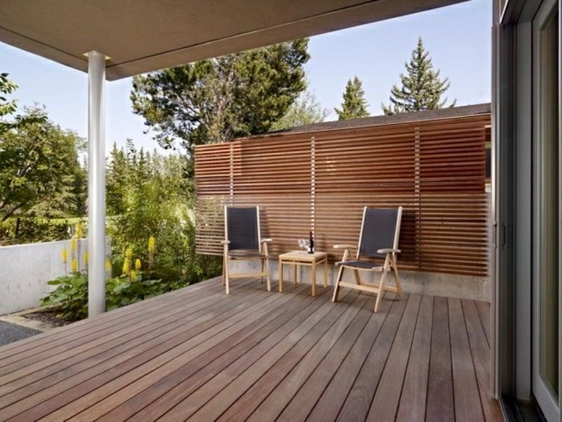 Holzlatten Sonnen- und Sichtschutz Terrasse