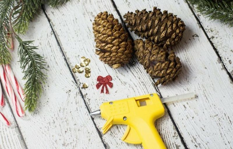 Basteln mit Naturmaterialien Weihnachten Tannenzapfen dekorieren
