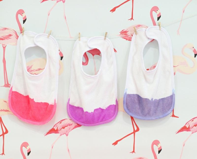 Babykleidung verschönern Batik