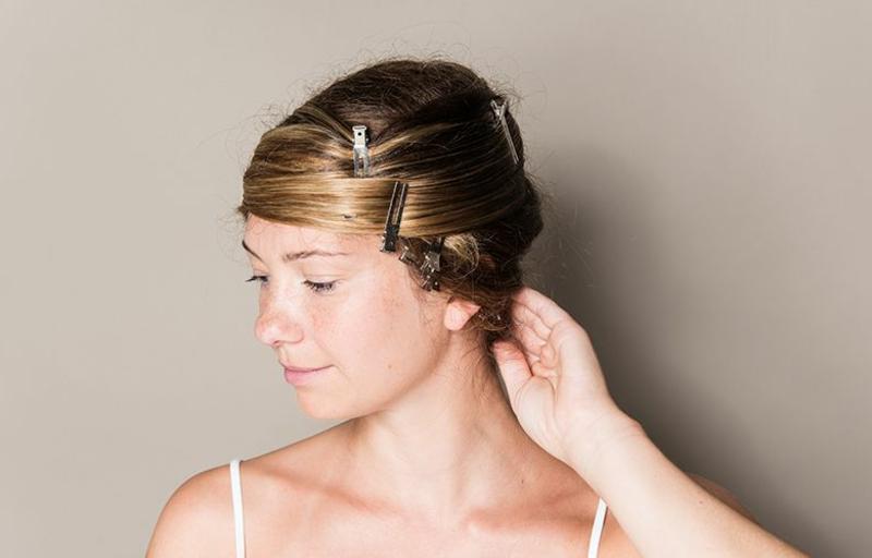 Glatte Haare ohne Haarglätter mit Haarspangen