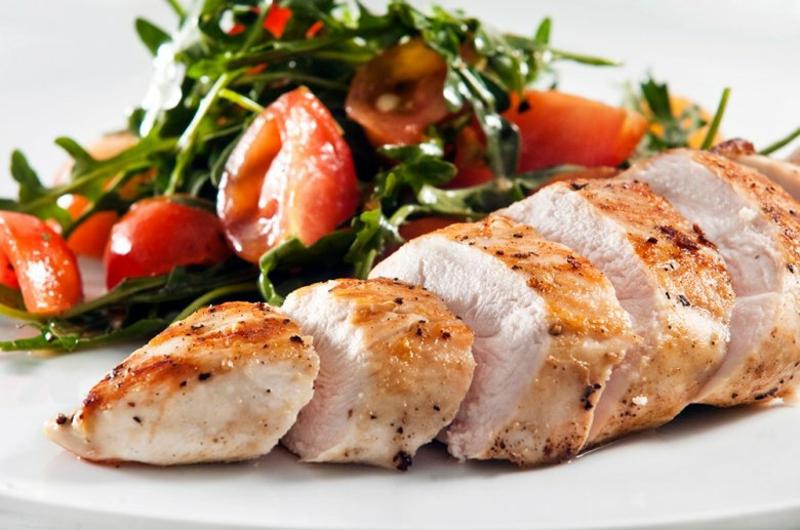 Hähnchenfleisch mit Gemüse