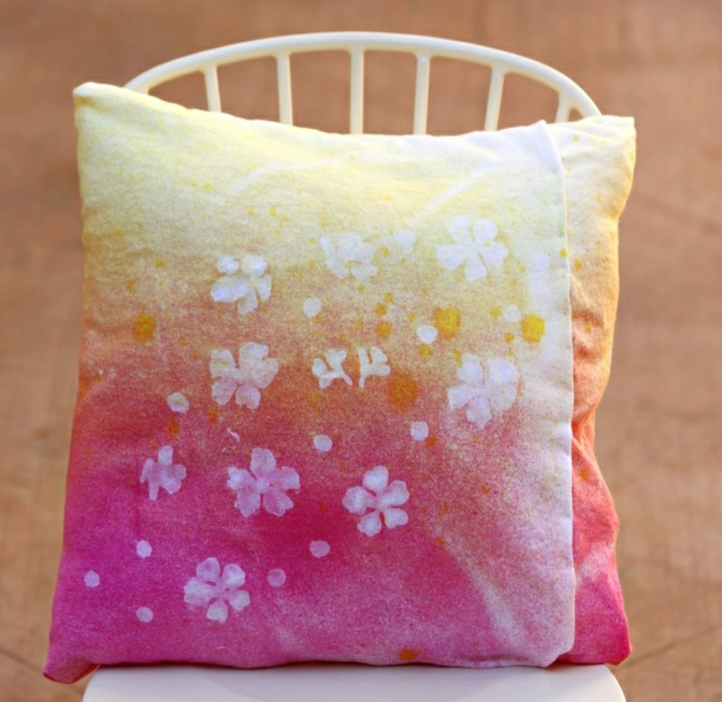 Kissenhülle dekorieren Wachs Batik