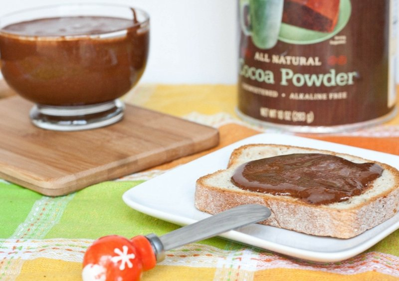 Nutella selber machen Brot bestreichen