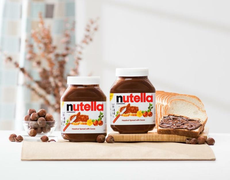 Nutella essen zum Frühstück
