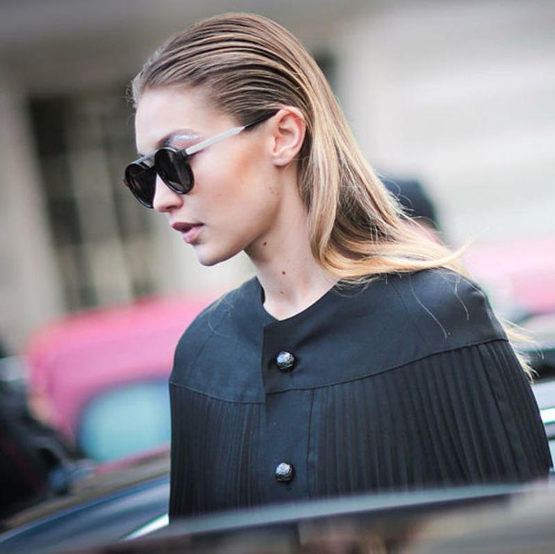 Glatte Haare ohne Haarglätter der moderne Sleek Look