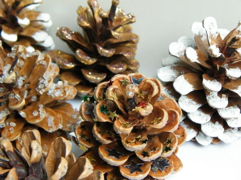 Tannenzapfen dekorieren Weihnachten