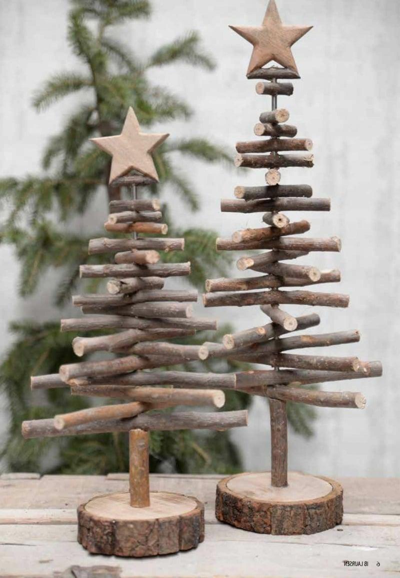 dekorative Tannenbäume aus Holz
