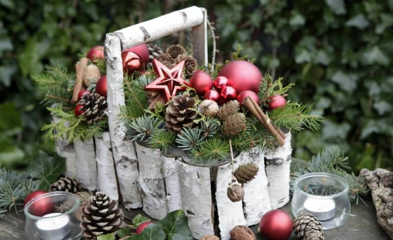 Deko Weihnachten natürlich Korb Zweige