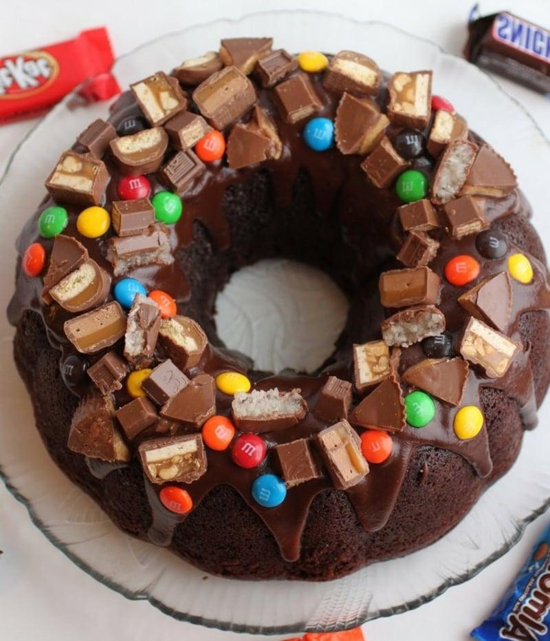 Kuchen dekorieren Schokolinsen Kinderriegel