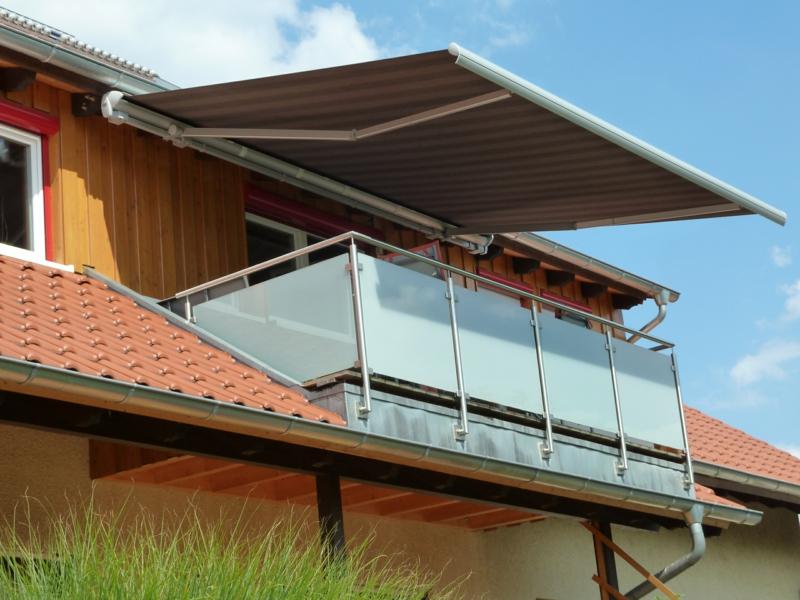 Markise Balkon permanent aus Metall