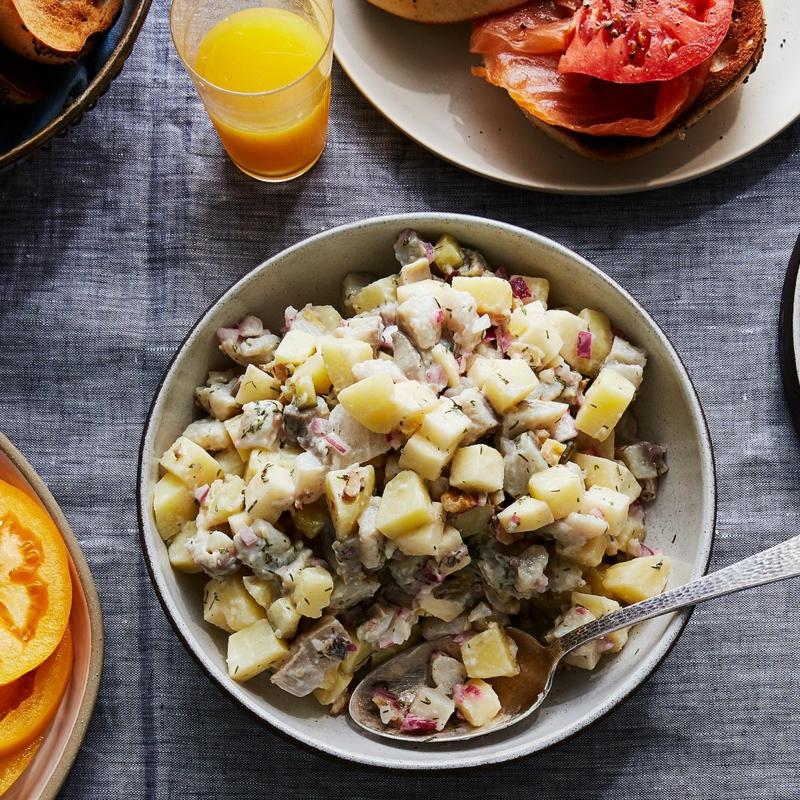 Heringssalat mit Kartoffeln zubereiten wie geht es