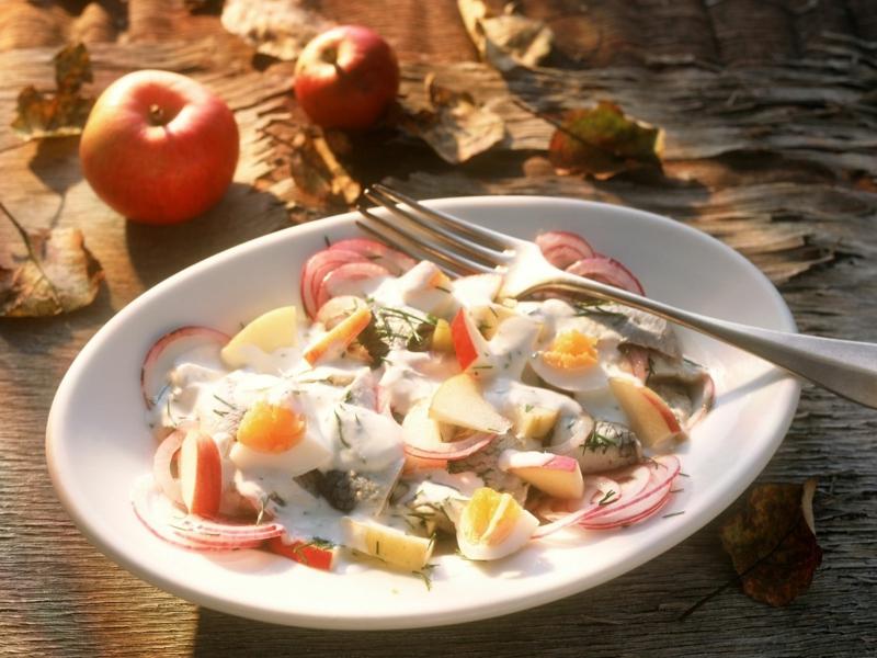 Rezepte gesund Salat mit Hering und Äpfeln
