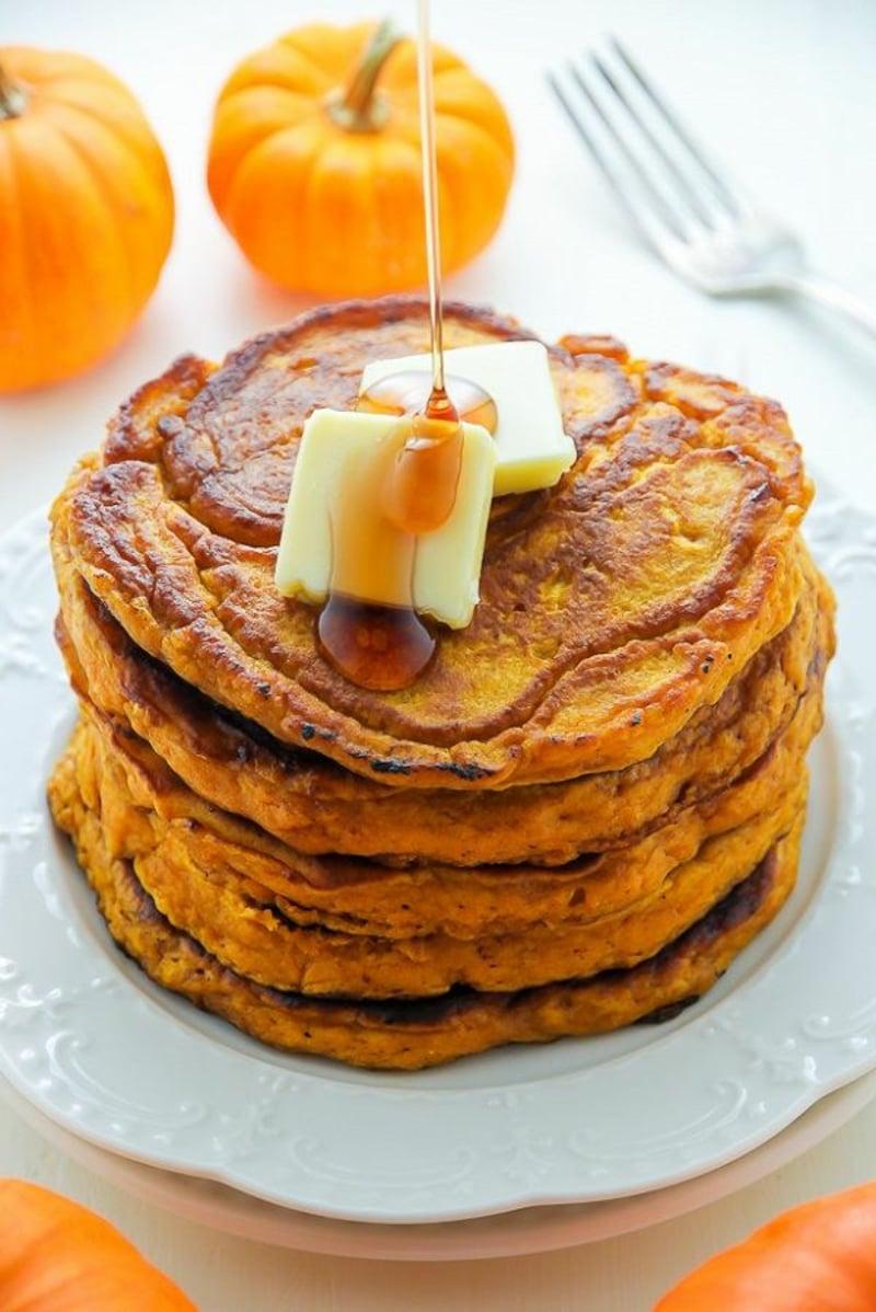 Kürbis Pfannkuchen mit Butter