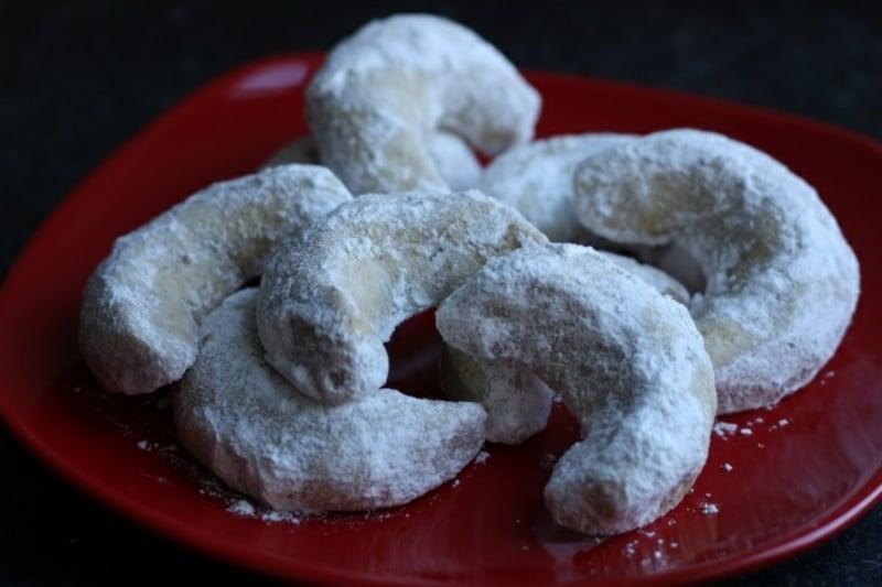 Vanille Hörnchen in Zucker wälzen
