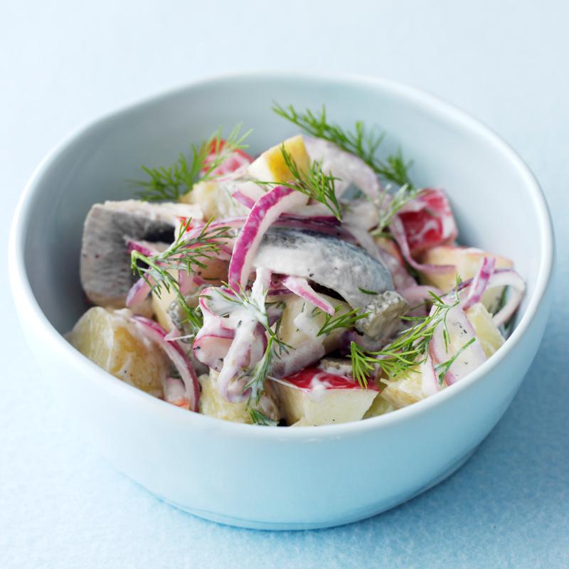 Salat mit Hering Dill und Kartoffeln