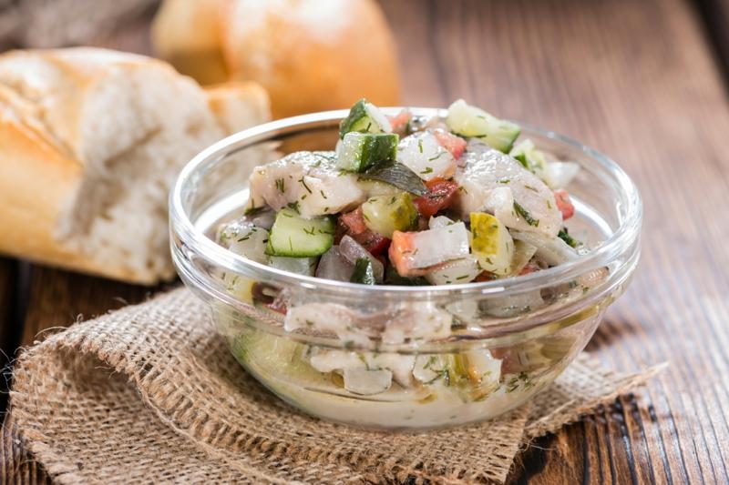 Salat mit Hering Vorspeise Partyfood