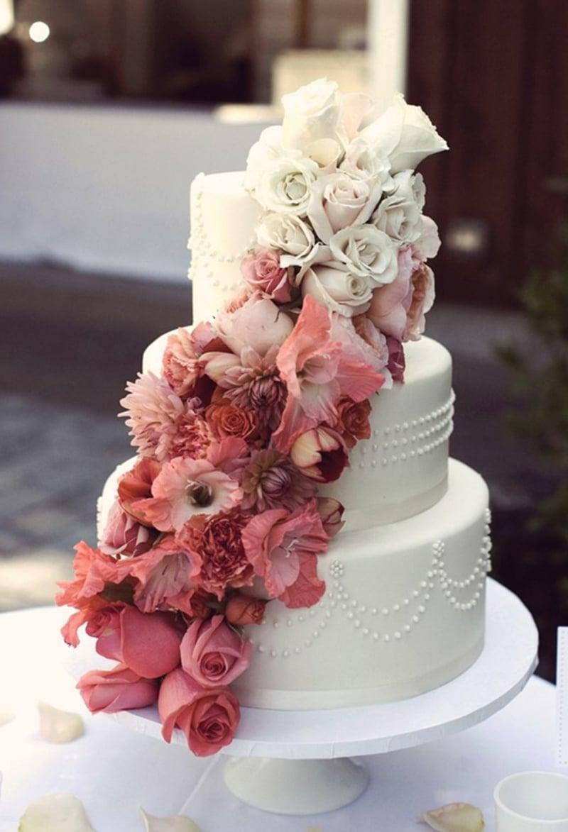 Torte zur Hochzeit prachtvolle Deko
