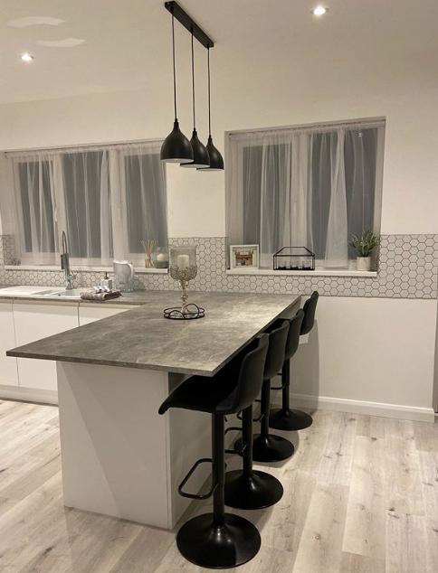 Bodenbelag für Ihre Küche in hellen Nuancen