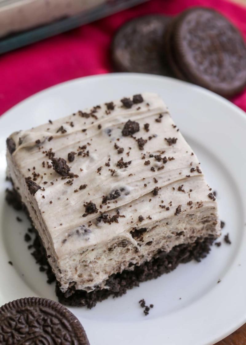 Oreo Cheesecake ohne Backen servieren