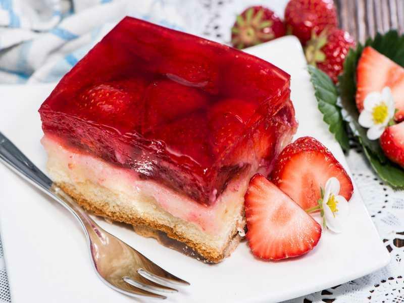 Kuchen mit Fanta und Erdbeergelee himmlisch lecker