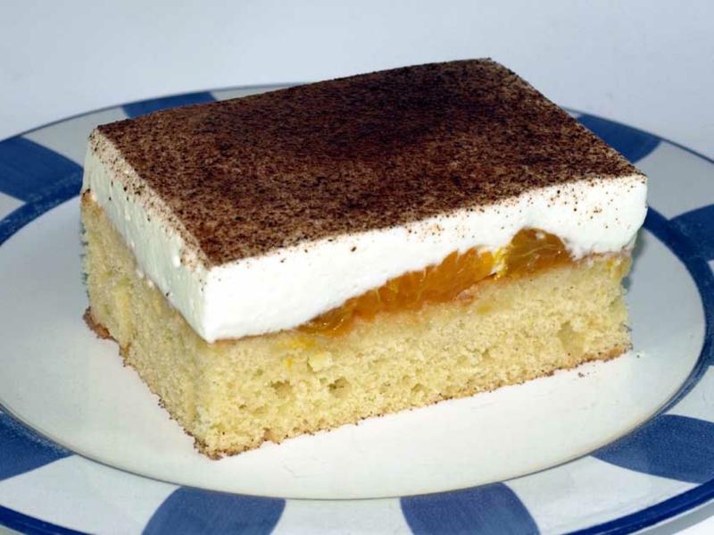 Kuchen mit Mandarinen, Fanta und Schmandcreme