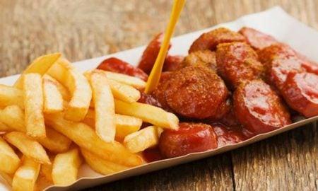 Currywurst Rezept beliebte Fast Food Gerichte