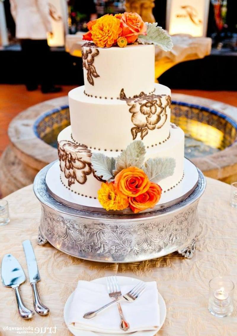 Hochzeitstorte mehrere Etagen herrlicher Look