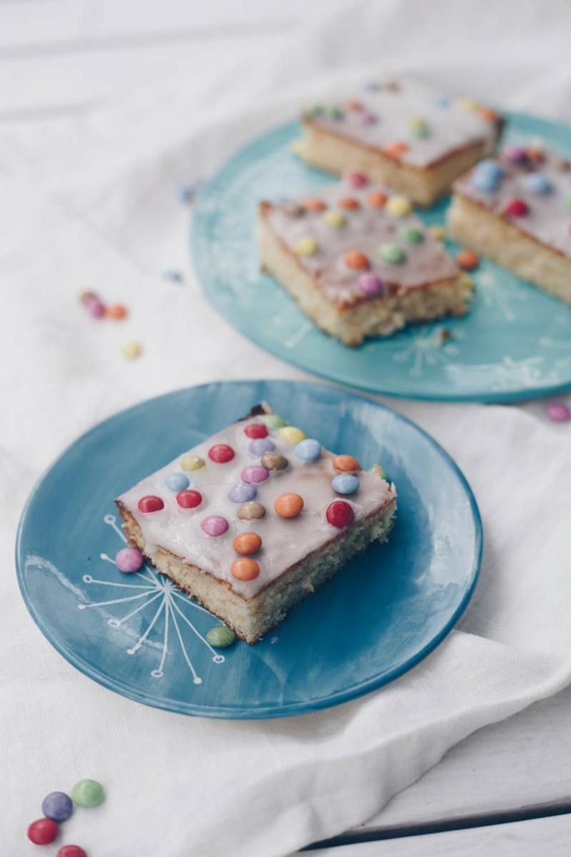 Kuchen mit Fanta und Schokolinsen