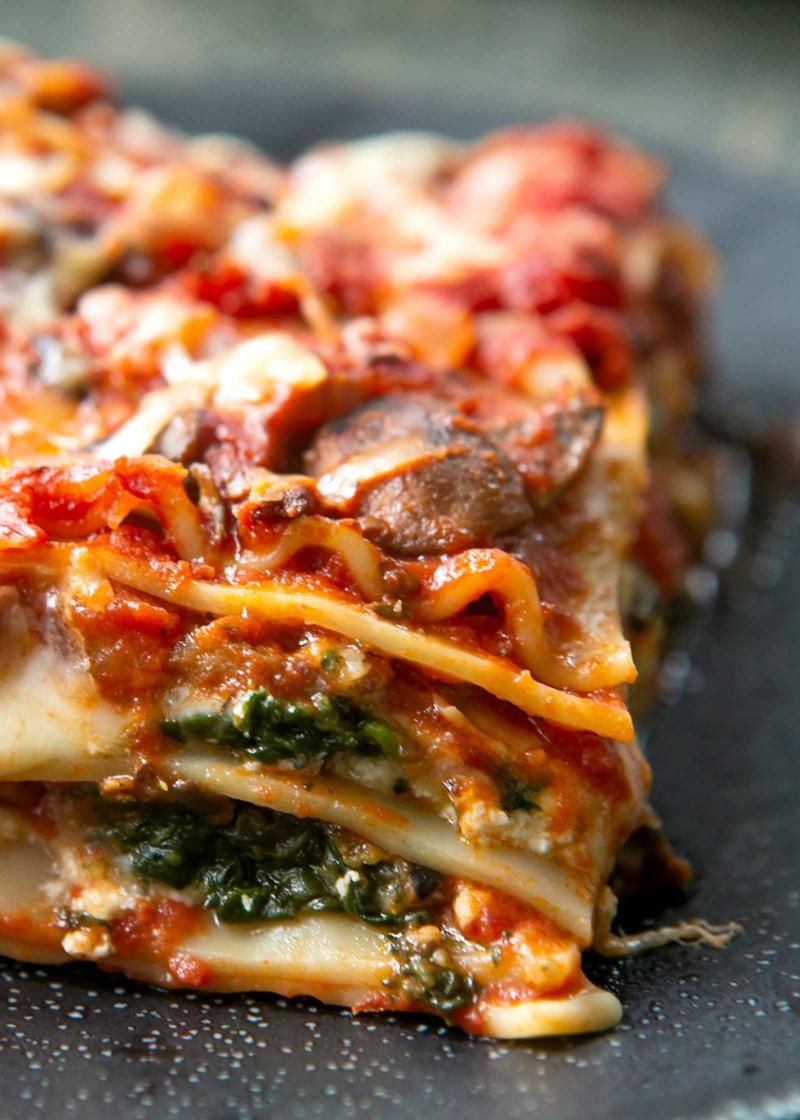 vegetarische Lasagne Serviervorschlag