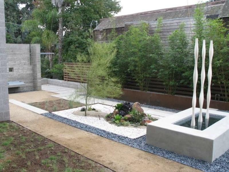 Zen Garten anrichten