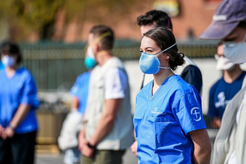 Coronavirus Symptome Schutzmaßnahmen Masken tragen