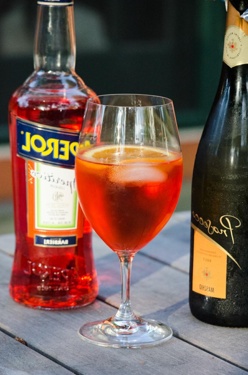 Cocktail Likör Schaumwein italienisch