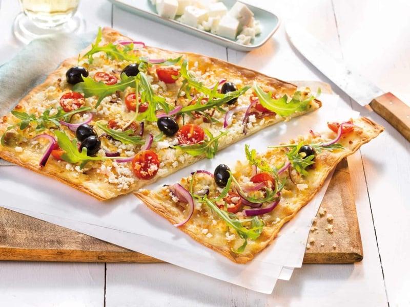 Flammkuchenbelag Tomaten Oliven Kresse