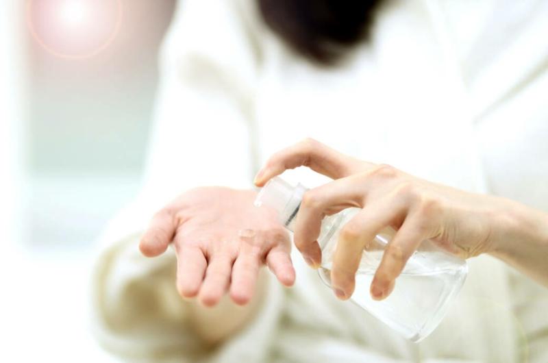 Coronavirus Tipps sich die Hände desinfizieren