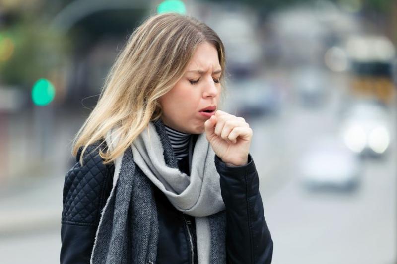 Coronavirus Symptome trockener Husten