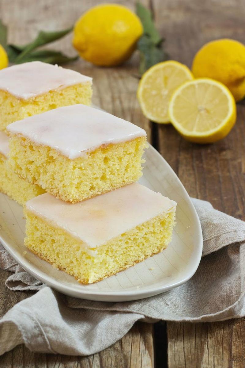 einfacher Kuchen mit Zitrone