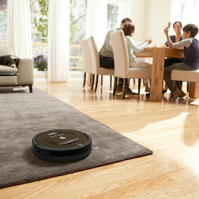 Staubsauger Roboter den Teppich putzen
