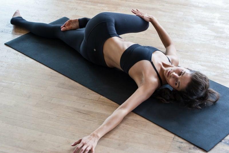 Supine Spinal Pose leicht