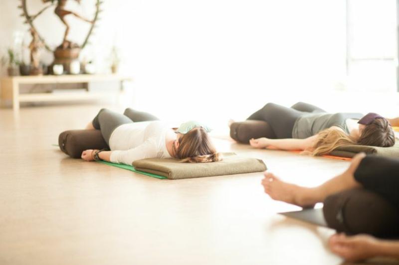 Yoga Übungen Meditation Yoga Schlaf