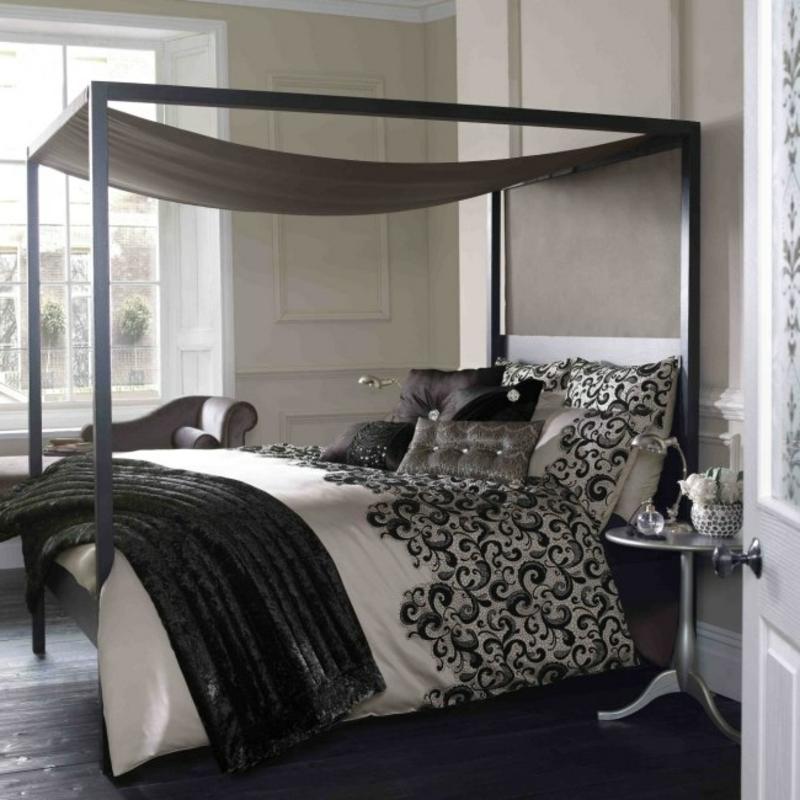 Himmelsbett moderne Kissen Decken