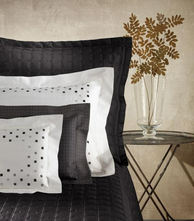 elegante Bettwäsche in Schwarz und Weiß