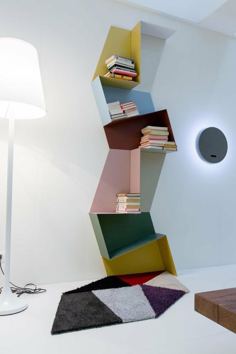Bücherregal auswählen Bücher kreativ präsentieren