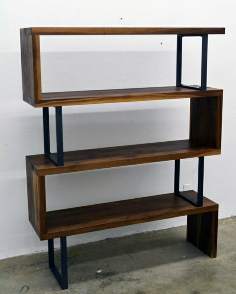 stilvolles Regal Holz und Metall