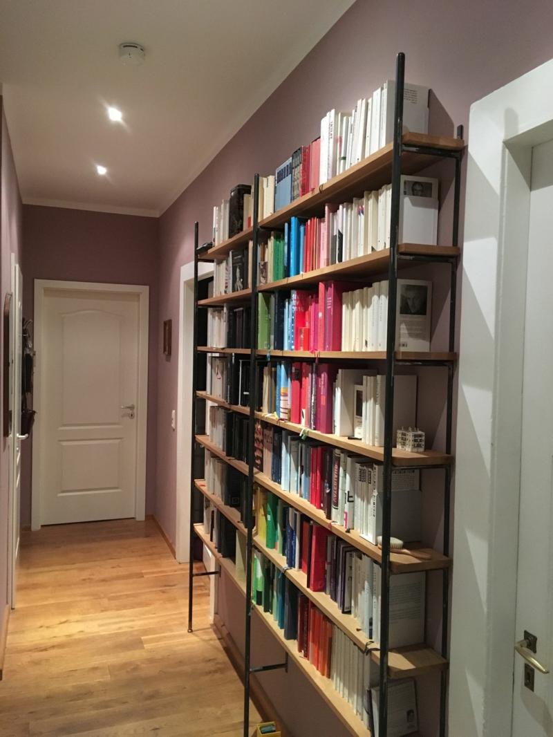 Bücherregal praktisch Flur