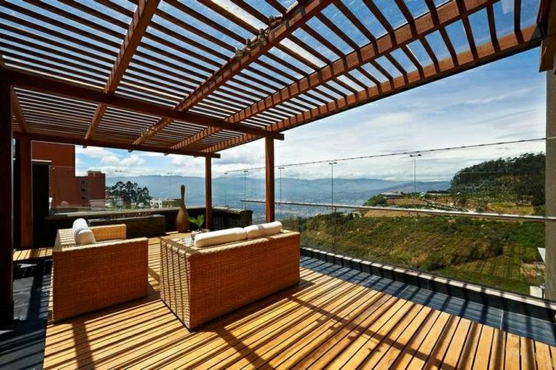 moderne Terrasse Glasgeländer Überdachung